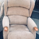 Easy rise electric reclining, massaging arm chair which also rises you to a standing position with a fixed over head reading light. all in excellent cnodition and perfect working order. Can be seen working. £250